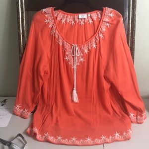 Crown & Ivy Beach embroidered tie front tunic Sz M